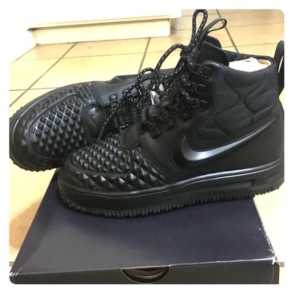 cc3f5bad Nike Air Force 1 women's size 6 NWT